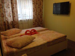 снять номер с большой кроватью